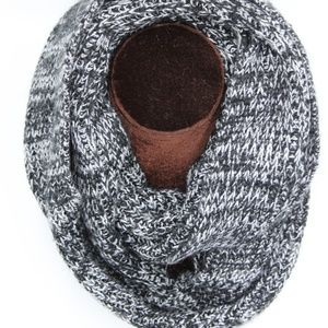 Accessories - Infinity Black/White Scarf